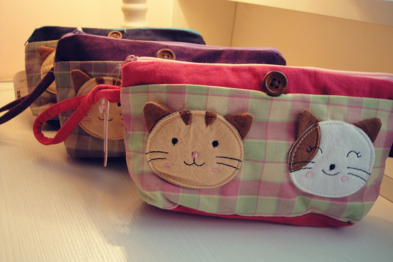 Qq cat fresh 100% plaid cotton fabric cosmetic bag pencil case miscellaneously storage bag(China (Mainland))
