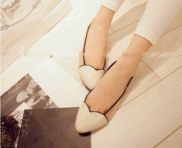 Beautiful love it 2013 toe cap patchwork transparent film flat heel single shoes ds 131 - 1(China (Mainland))