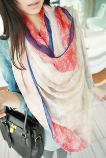 Autumn and winter scarf red and blue color block mix match silk scarf large fluid cape(China (Mainland))