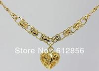 Fashion golden love Short chain Necklace