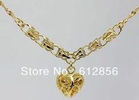 Fashion golden love Short chain Necklace