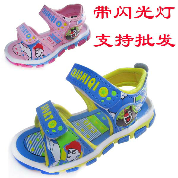 2013 all-match male female child flash lamp sandals slip-resistant waterproof shoes velcro baby sandals(China (Mainland))