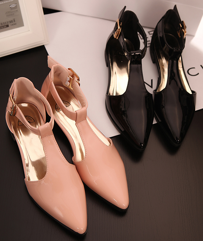 2013 japanned leather solid color t belt package with pointed toe flat sandals princess(China (Mainland))