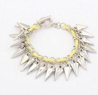 Min order 1 pc Designer Fashion European Style Arrow Pointed Cone Retro Bracelet for Women Free Shipping