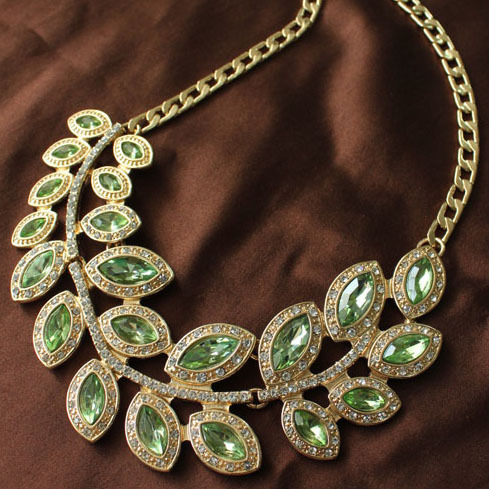Designers Green Gem Rhinestone Pave Bib Chunky Necklace, Gold Plated Chain,Statement Chokers Necklace,Women Fashion Jewelry 2013(China (Mainland))
