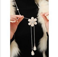 (Min order$15) Free Shipping!Crystal Rhinestone flower all-match pearl sweater chain length fashion Vintage Necklace ! Wholesale