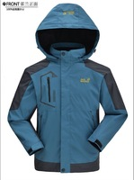 The new jacket man, thin section of outdoor sports coat.There are 5 colors to choose from