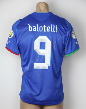 New print Balotelli Italy jersey World Cup 2014 Soccer Uniforms Embroidery Logo 2 Patches