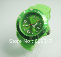 2013 Fashion style Hot Collections Silicon watch with original logo    Feature: Spray oil feeling