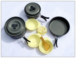 new design family cooking kitchenware outdoor camping picnic cooking pot & tableware set DS-300(China (Mainland))