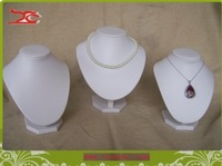 Jewellery Display  white wooden Bust White PU Necklace Stand Holder for Displaying Fashion Jewelry Neckform