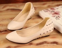 2014 spring and Summer Women's Fashion Rivet Flat Shoes Small Pointed Toe Wedges Flat-bottomed Single Shoes Beige and Black