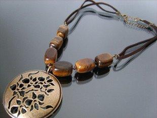 Retail Hot Selling vintage qualtiy alloy opal piercing pendant necklace fashion necklace jewlery