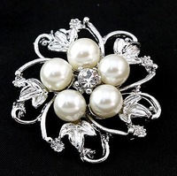 Korean fashion pearl brooch flower crystal brooch jewelry wholesale SP-XZ-60949 free shipping