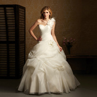 New arrival wedding dress formal dress one shoulder elegant aesthetic flower train wedding dress bride yarn white