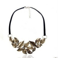 Min.order is $10 (mix order) Fashion vintage leaves necklace star necklace