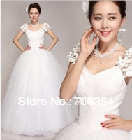 2013 New Arrival Exquisite Stero Flower on the Shoulder Ball Gown Wedding Dress