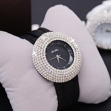 http://i00.i.aliimg.com/wsphoto/v0/952997480_2/Blingbling-Shining-Silicon-Band-Crystal-Quartz-Dress-Wristwatches-Watch-Hours-for-Women-Ladies-Party-Club-Jewelry.jpg