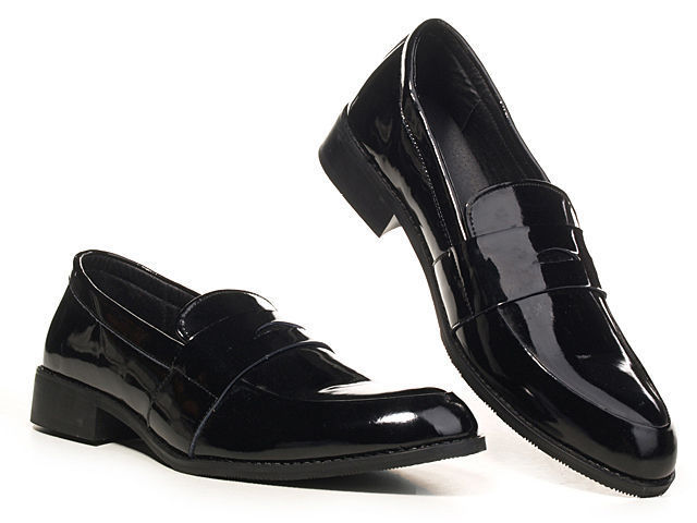 Classic Retro black and white pointed toe slip-on low heel for men dress shoes(China (Mainland))