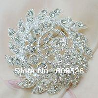 Free Shipping 1 piece 2013 fashion Cheap Silver whirl Crystal Flower Rhinestone Women Brooches for wedding, item no.: BH7373