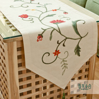 New handmade classical rustic tablecloth table runner fashion mat fluid embroidery flower table runner factory wholesale price