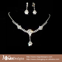 Shining Wedding Bridal Jewelry Sets Tear Drop Crystal Necklace Earrings Jewelry Sets