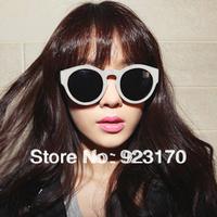 A is $12(mix order) free shipping  2013 scrub quality male women's vintage big circular frame sunglasses CR057