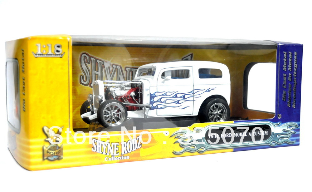 1:18 1931 Ford Model A Custom White W/Blue Flames Shyne Rodz by Road Signature 2(China (Mainland))