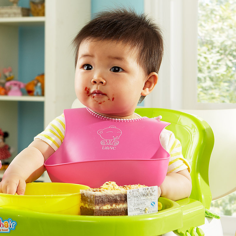 Children eat pocket Waterproof bib baby bib The baby bib pocket The saliva towel bib Disposable waterproof Free Shipping(China (Mainland))