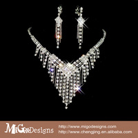 Fashion Cheap Jewelry Bridesmaid Jewelry Crystal Earring Necklace Set