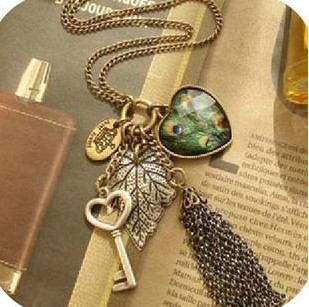 Min. order $9 (mix order) Fashion vintage long design peacock feather chains tassel necklace love key pendant XL245(China (Mainland))