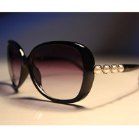 High quality fashion diamond sunglasses, female 2013 new fashion brand, free shipping