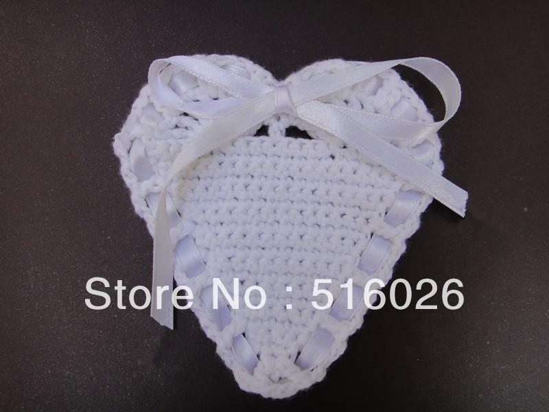 Free shipping wholesale 20pcs/lot valentine day gift hand made Heart Shaped Crochet Doily, wedding favor(China (Mainland))