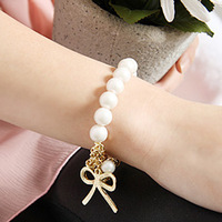 0029 small accessories pearl bow bracelet