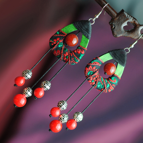 Mango wood handmade embroidered picture miao silver red agate beads accessories earrings gift(China (Mainland))