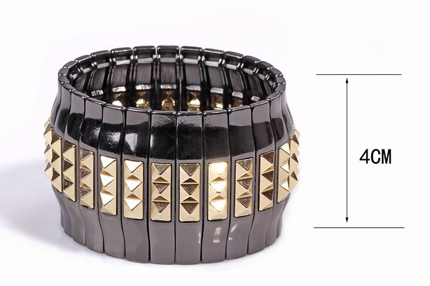 Mashup bright black and gold rivet punk luxury metal stretch bracelet(China (Mainland))