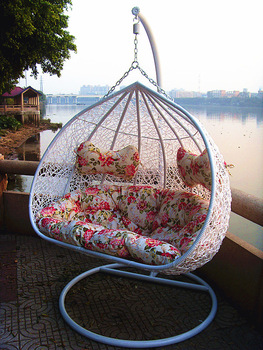 New style rattan chair rattan bird nest outdoor swing hanging basket hanging chair indoor rocking chair swing chair cushion