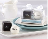 Factory directly sale 10set/LOT Wedding favor Mr and Mrs Ceramic Salt and Pepper Shakers