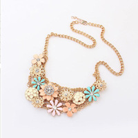 Europe exaggerated fresh flowers personalized jewelry Ruili temperament elegant metal necklace