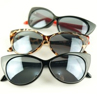 Free New Designer Women Ladies Sunglasses Retro Fashion Cat Eye Sunglasses 3 Colors drop Shipping SG008