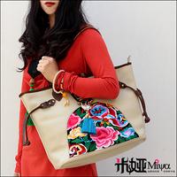 2013 New Arrivals Vintage Design Genuine Leather Shoulder Big Capacity Embroidered Women Leather Handbag White