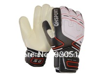 LATEX palm anti-slip soccer goalkeeper gloves /football gloves / 9# / with wrist band and PE finger protection layer