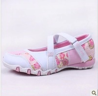 Free shipping 2013 new children's shoes   Kids shoes   girls  flats sport shoes the  Exquisite embroidery princess shoes