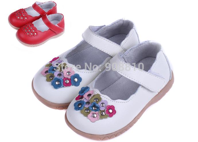 Hot!!!! 2014 baby mädchen echte leder mary jane in rot, weiß kleine Blüten und nieten auf Zehen großhandel einzelhandel versandkostenfrei