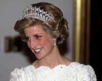 2013 New Diana Cambridge Lovers Knot Tiara Crystal Pearl Bridal Crown Rhinestone Hair Accessories Pageant Party Jewelry WIGO0143
