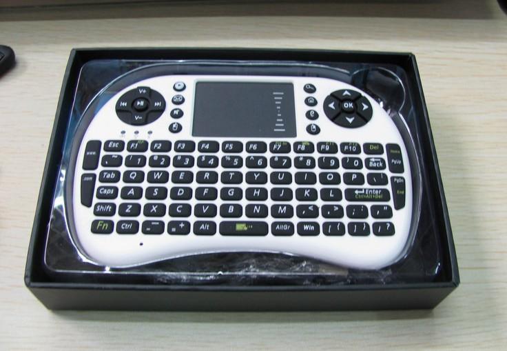 Hk Post grátis frete 2.4 G sem fio wi fi teclado Qwerty com touch pad vôo Air esquilo / rato para o telefone / pad / PC / Smart TV(China (Mainland))