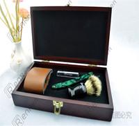 Razor comfortable full set razor  The wooden box