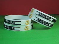 Free shipping 500pcs/lot 12mm Wide Embossed Logo & Text Bracelet Customized Silicone Wristband Promotion Gift
