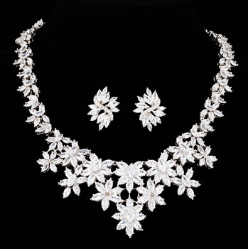 NICETER AAA High Quality Flower Shaped Swiss CZ Diamond Necklace and Stud Earrings Fashion For Women wedding Jewelry Sets  JS006