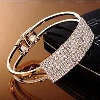 Sheegior Temperament Brand Bracelets Crystal Gold silver women cuff bracelets Christmas Day/Valentine's Day Gift Free shipping